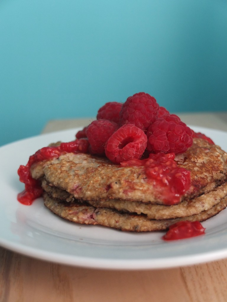 delicious, healthy and sugar free raspberry chia seed protein pancakes