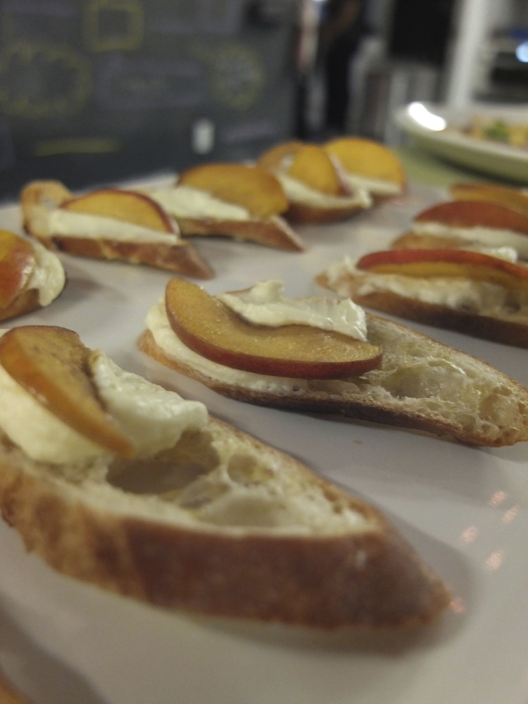 Peach and Marscapone Dessert Toast